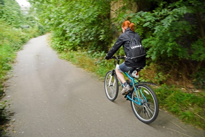 woman_and_bicycle (Small)